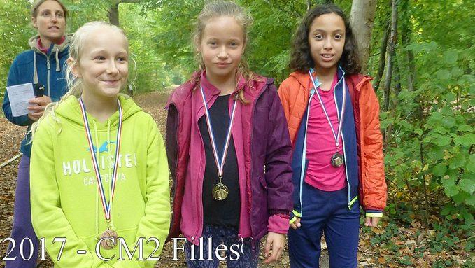podium CM2  filles.JPG